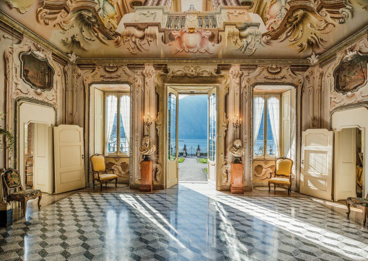 10 - Entrance frescos
