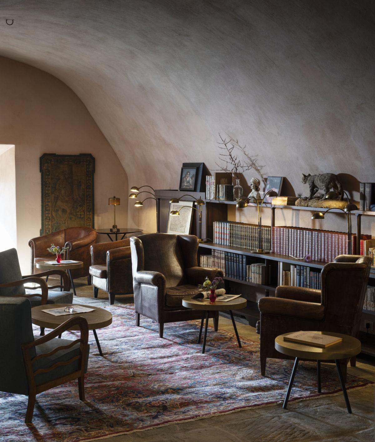 8_Hotel Castello di Reschio - The Library